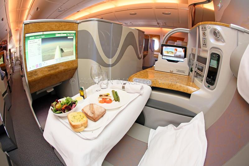 A6-EOS   Airbus A380-861   Emirates