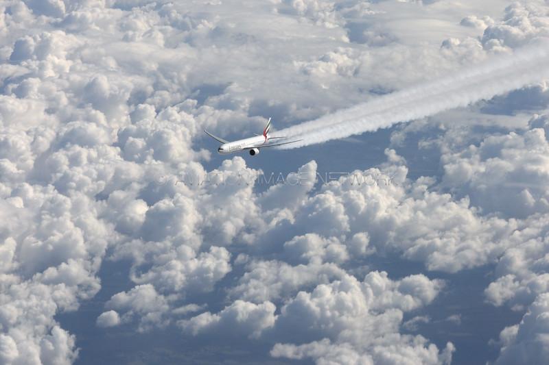 Boeing 777-31H/ER | Emirates