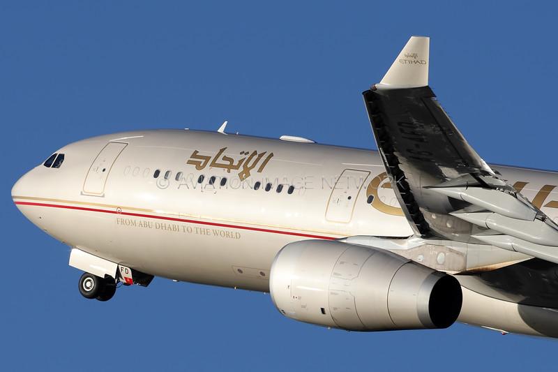 A6-AFD   Airbus A330-343   Etihad Airways