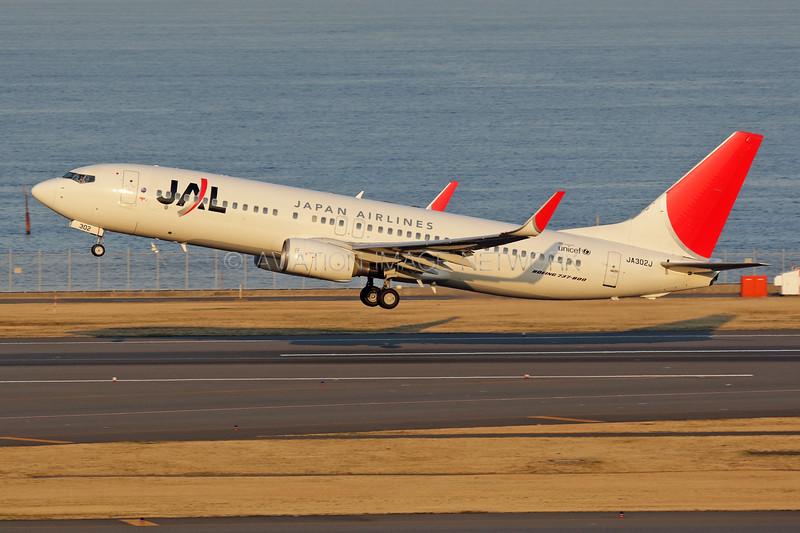 JA302J   Boeing 737-846   JAL - Japan Airlines