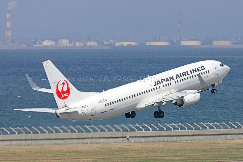JA315J | Boeing 737-846 | JAL - Japan Airlines