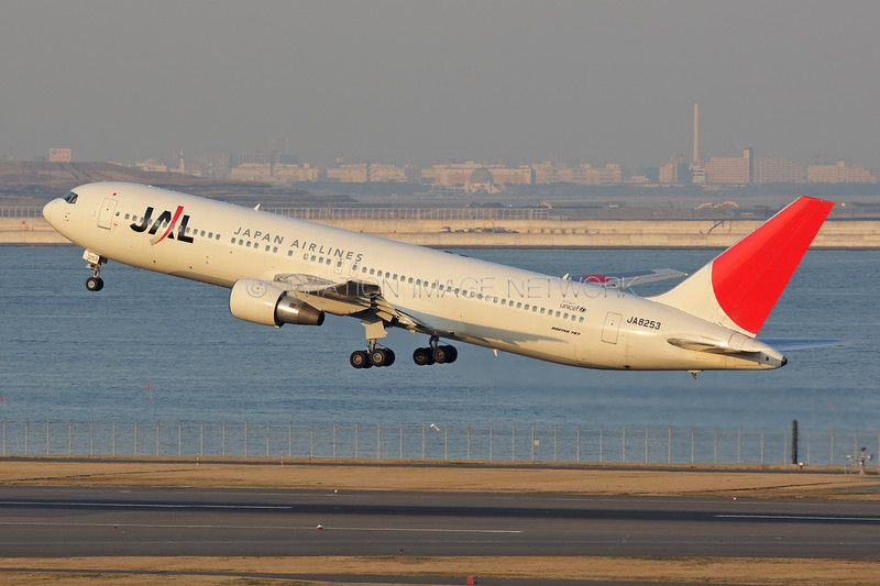 JA8253   Boeing 767-346   JAL - Japan Airlines