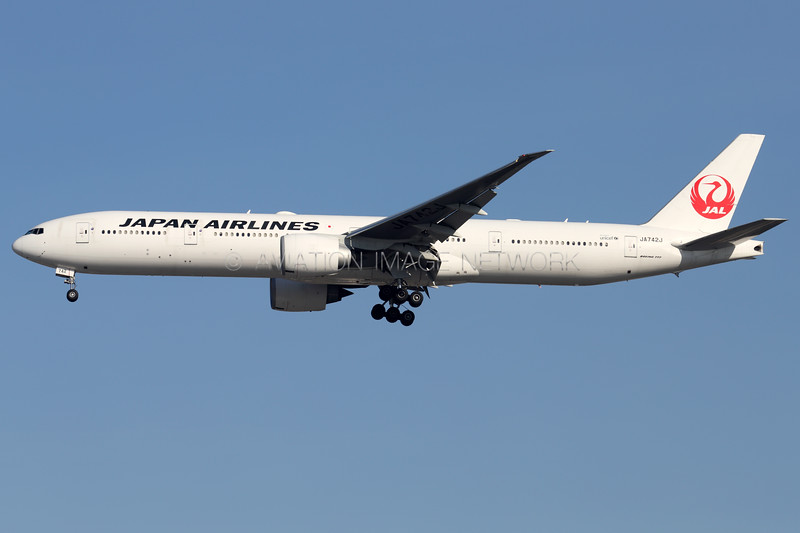 JA742J   Boeing 777-346/ER   JAL -  Japan Airlines