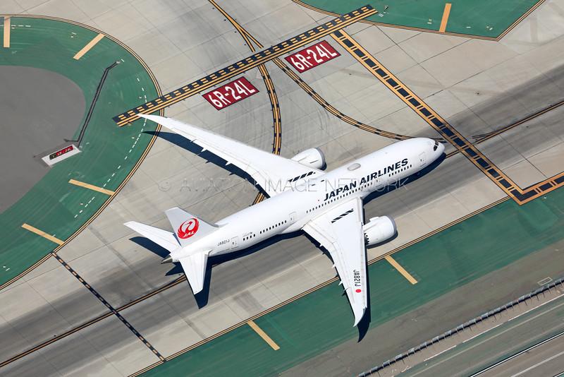 JA821J | Boeing 787-8 | JAL - Japan Airlines