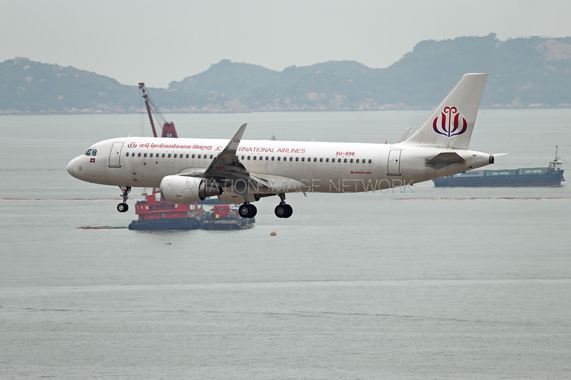 XU-998 | Airbus A320-214 | JC International Airlines
