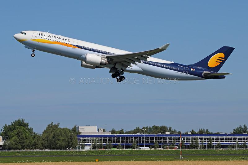 VT-JWT   Airbus A330-302   Jet Airways