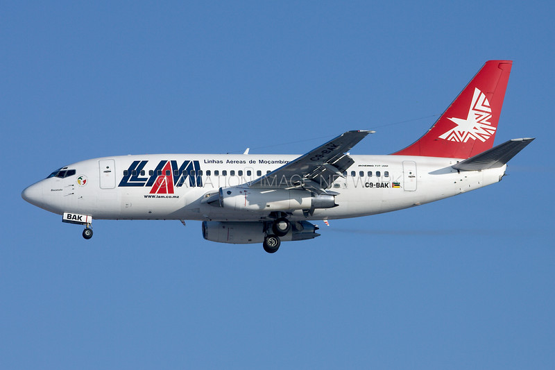 C9-BAK | Boeing 737-2K9 | LAM - Linhas Aereas de Mocambique