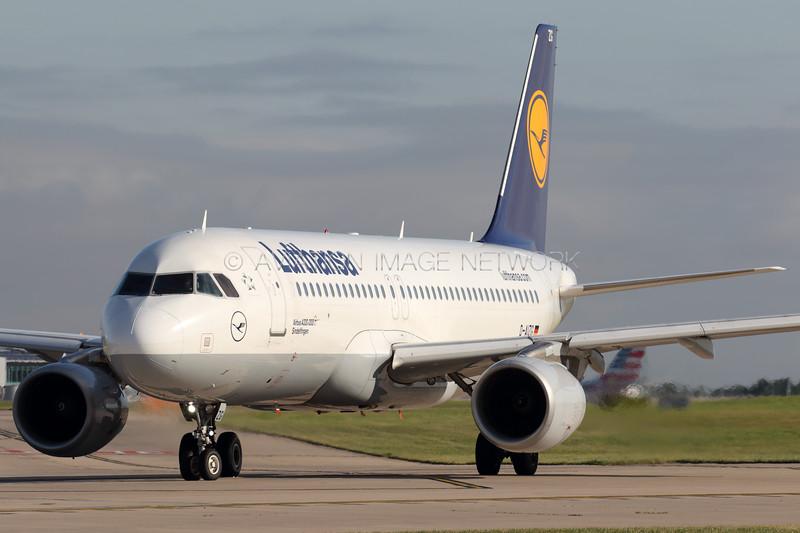 D-AIZG   Airbus A320-214   Lufthansa