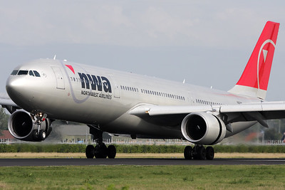 N806NW | Airbus A330-323 | Northwest Airlines