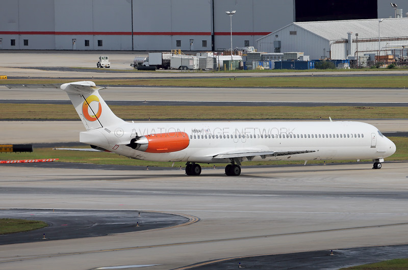 N918AV | McDonnell Douglas MD-82 | Orange Air