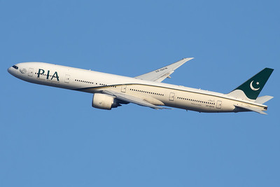 AP-BHW | Boeing 777-340/ER | PIA - Pakistan International Airlines