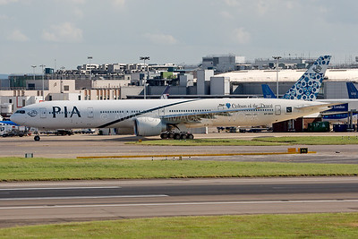 AP-BHV | Boeing 777-340/ER | PIA - Pakistan International Airlines