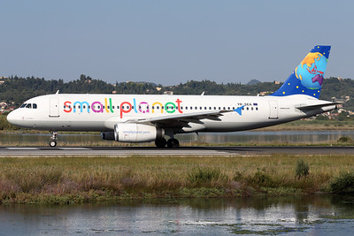 YR-SEA   Airbus A320-231   Small Planet Airlines