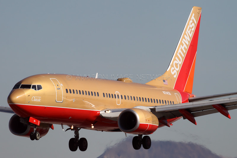 N714CB | Boeing 737-7H4 | Southwest Airlines
