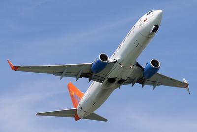 Boeing 737-800   Sunwing Airlines