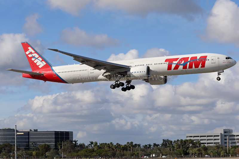 PT-MUD | Boeing 777-32W/ER | TAM Airlines