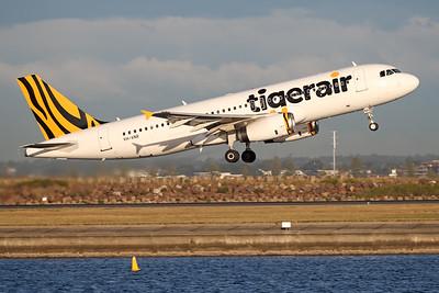 VH-VNR   Airbus A320-232   tigerair (Australia)