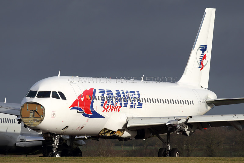YL-LCA | Airbus A320-211 | Travel Service