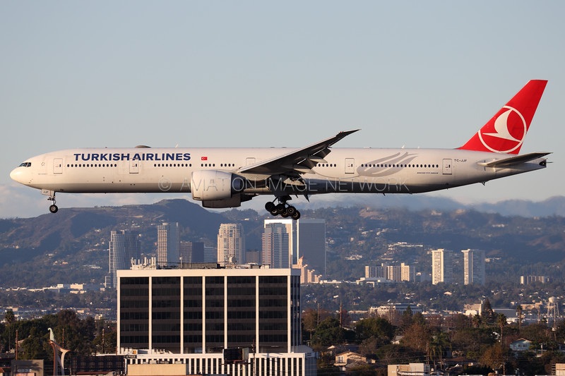 TC-JJF | Boeing 777-3F2/ER | Turkish Airlines