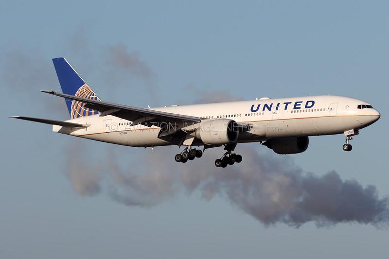 N27015 | Boeing 777-224/ER | United Airlines