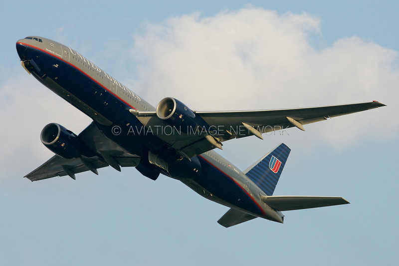 N219UA | Boeing 777-222/ER | United Airlines