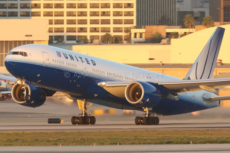 N794UA   Boeing 777-222/ER   United Airlines