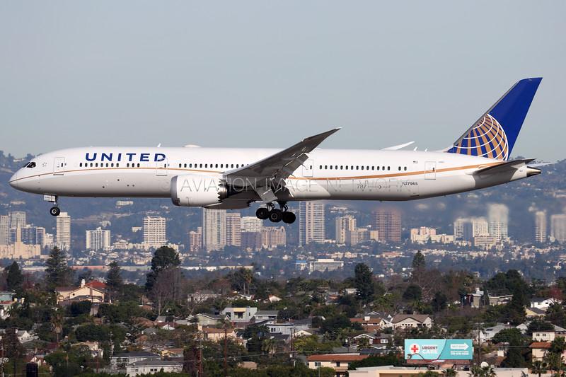 N27965 | Boeing 787-9 | United Airlines