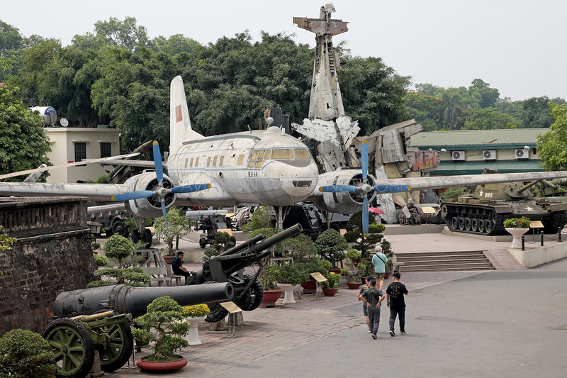 Ilyushin Il-14 | Vietnam Airlines