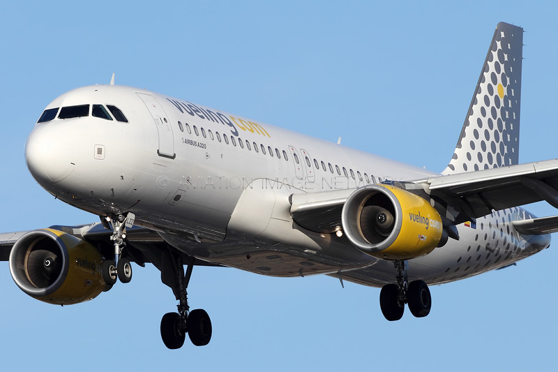 EC-LZZ | Airbus A320-214 | Vueling
