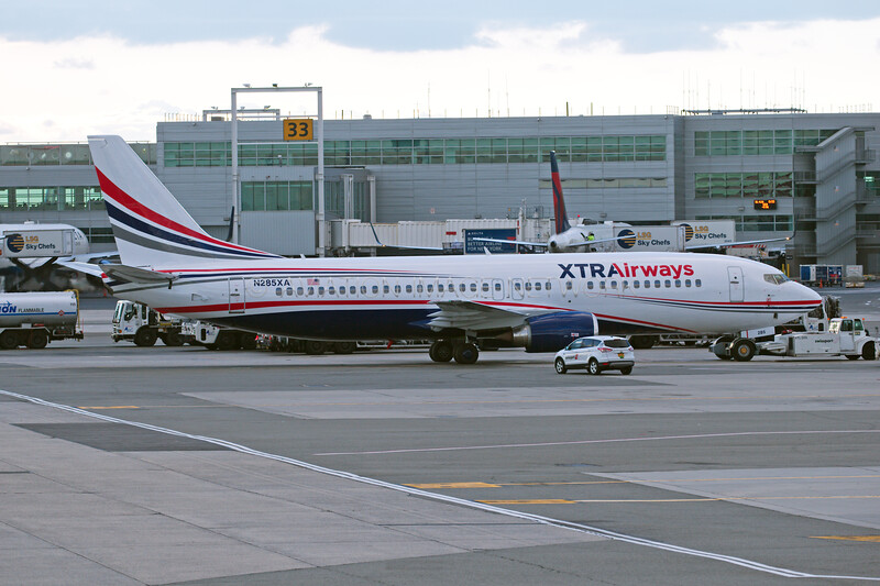 N285XA   Boeing 737-4Q8   Xtra Airways