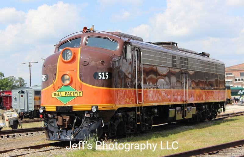 Iowa Pacific Holdings E8 No. 515