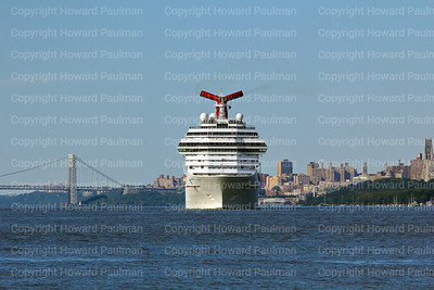 5August_2013_1282_Carnival_Glory_Leaves_New_York