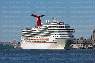 5August_2013_1284_Carnival_Glory_Leaves_New_York