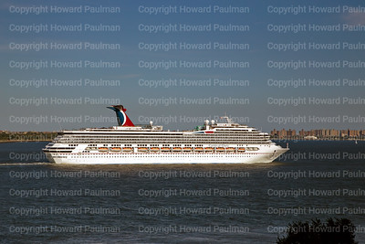24August_2013_1368_Carnival_Glory_Leaves_New_York