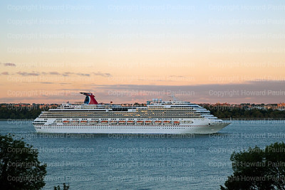 14Sept_2013_1462_Carnival_Splendor_Leaves_New_York
