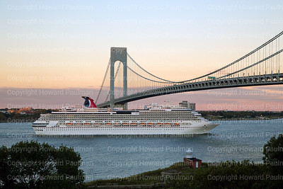 14Sept_2013_1466_Carnival_Splendor_Leaves_New_York