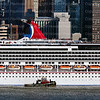 22Sept_2013_1486_Carnival_Splendor_Drops_Pilot_In_New_York