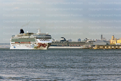 2May_2014_350_Norwegian_Gem_Leads_Celebrity_Infinity_From_New_York