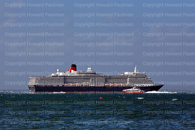 1July_2013_840_Queen_Elizabeth_Passing_Cowes_UK