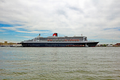 24_July_2016_594_Queen_Mary_2_From_Governors_Island_In_NYq