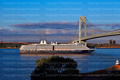 7_Sept_2016_732_MS_Zuiderdam_Leaves_New_York