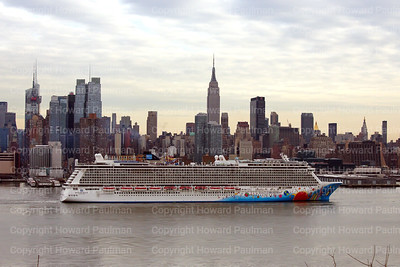 2Feb_2014_226_Norwegian_Breakaway_Leaving_New_York