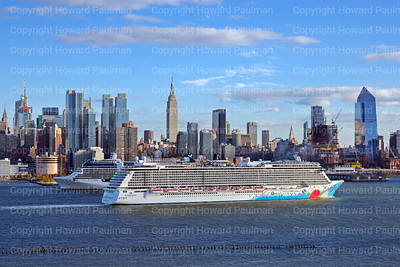 6_Nov_2016_1152_Norwegian_Breakaway_Meets_Celebrity_Eclipse_In_NY