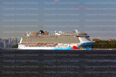 6July_2014_550_Norwegian_Breakaway_Leaves_New_York