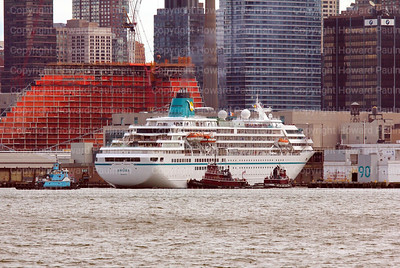 8_Sept_2014_1028_Amadea_Arrives_In_New_York