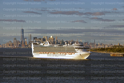 14Sept_2013_1444_Caribbean_Princess_Leaves_New_York