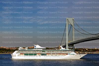 23_Sept_2014_1102_Legend_Of_The_Seas_Leaves_New_York