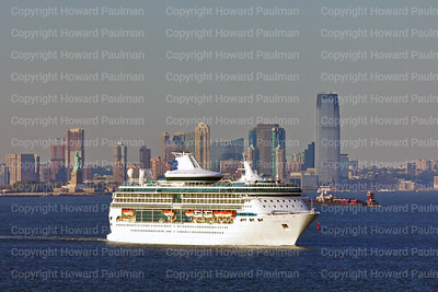 23_Sept_2014_1092_Legend_Of_The_Seas_Leaves_New_York