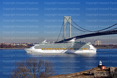 18_Nov_2016_1180_Navigator_Of_The_Seas_Arrives_In_New_York