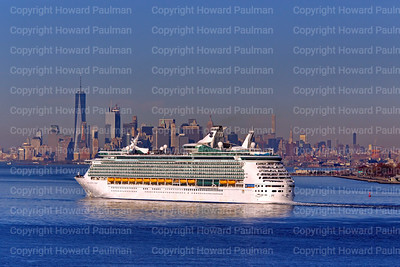 18_Nov_2016_1188_Navigator_Of_The_Seas_Arrives_In_New_York